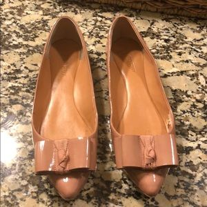Pointy leather bow flats